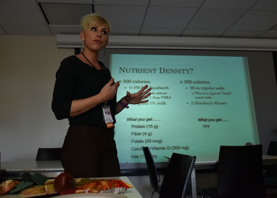 Julie Andersen, Nutritional Medicine clinical dietician, teaches a nutrition class on Joint Base Langley-Eustis, Va., Nov. 3, 2017.