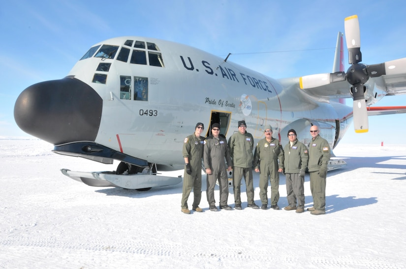 New York Guard Airmen face challenging flying to Antarctica