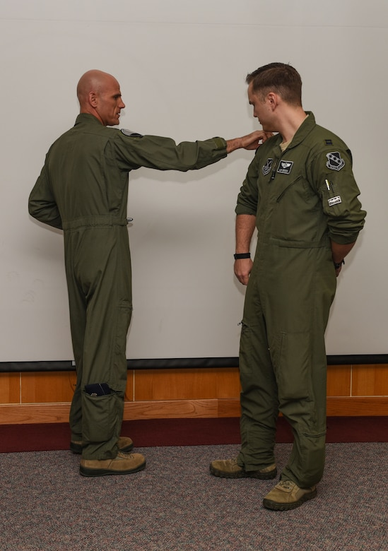 9th Bomb Squadron recognizes Top Bat