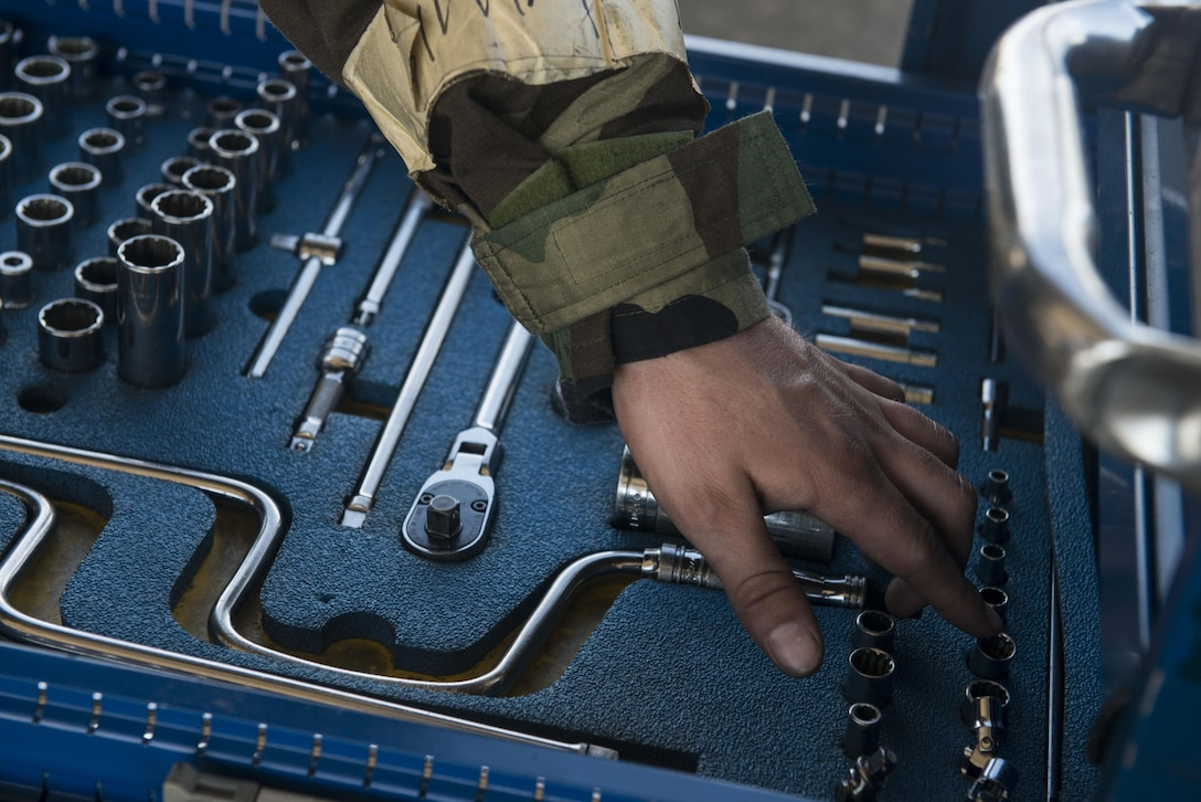U.S. Air Force Airman 1st Class Cody Hilderbrand, 20th Aircraft Maintenance Squadron tactical aircraft maintainer, takes accountability of his toolbox at Shaw Air Force Base, South Carolina, Nov. 16, 2017.