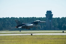 An F-16CM Fighting Falcon takes off from the flightline at Shaw Air Force Base, South Carolina, Nov. 16, 2017.