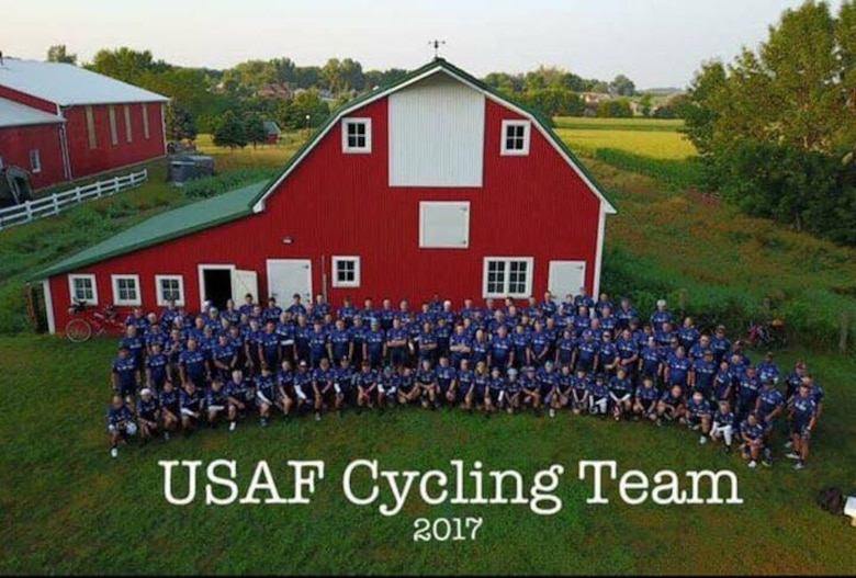 The 2017 U.S. Air Force Cycling Team poses for a photo, Sept. 23, 2017, at Orange City, Iowa.