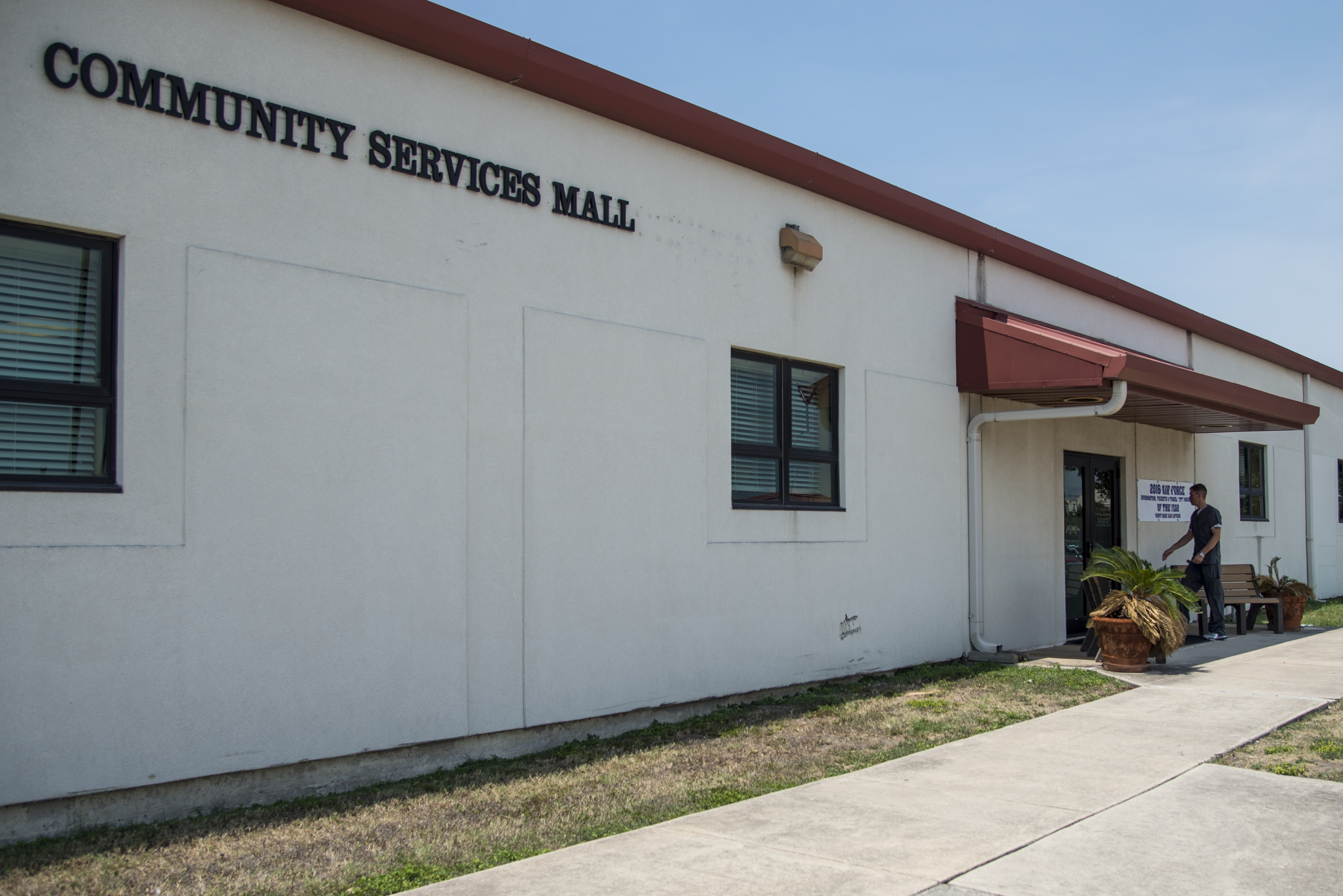 Community Services Mall Provides One Stop Shopping Gt Joint