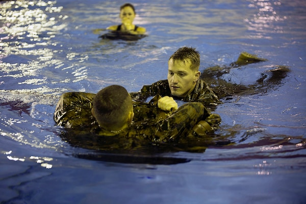 MCWIS Marines carry on responsibilities of training America's amphibious fighting force