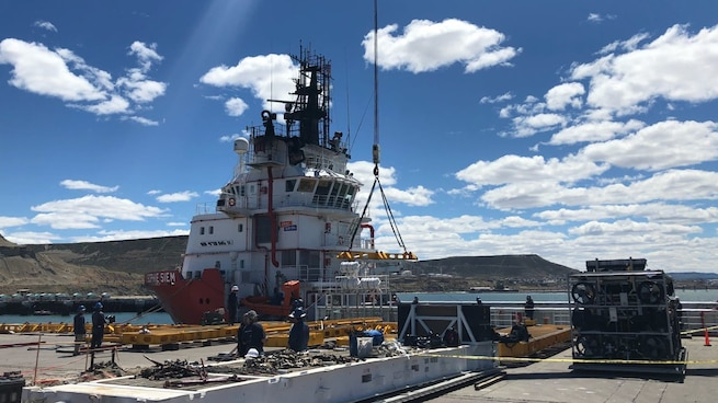 A ship prepares for the installation of the Submarine Rescue Diving and Recompression System