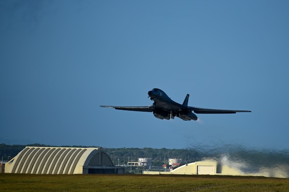 U.S. bombers conduct bilateral training with Royal Australian Air Force in conjunction with Lightning Focus exercise