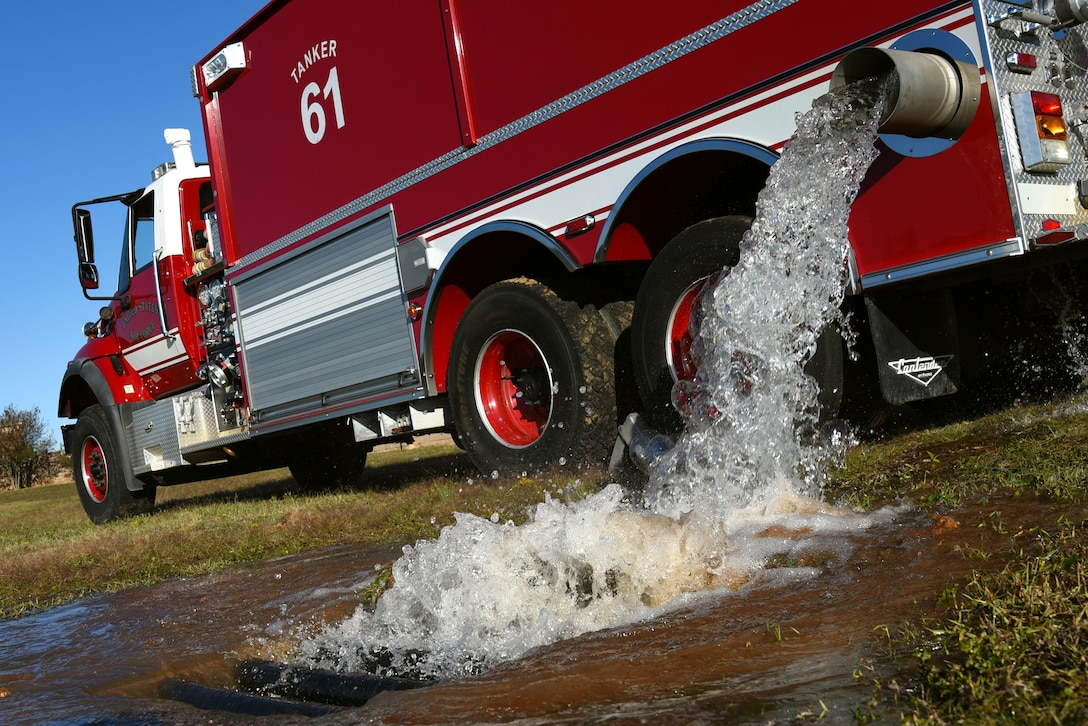 During an annual fuel spill major accident response exercise, Team Shaw members reacted to a simulated escape of 450,000 gallons of fuel, represented by water, at Shaw Air Force Base, South Carolina, Nov. 17, 2017.