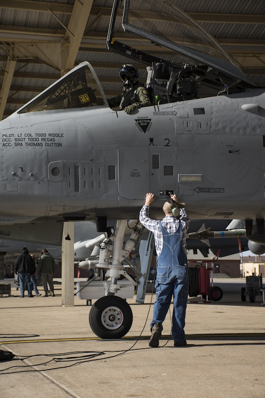 Maj. Gen. Ronald 'Bruce' Miller clocks 3,000 hours in A-10