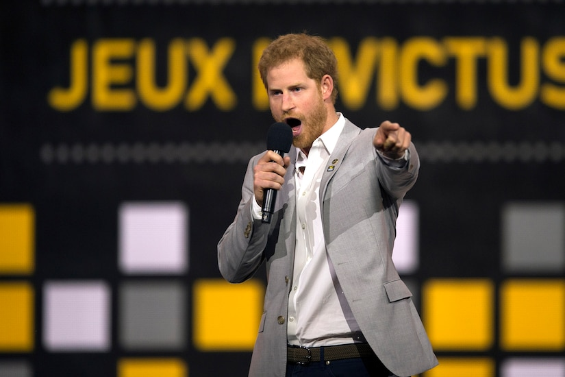 Prince Harry speaks during the 2017 Invictus Games closing ceremony