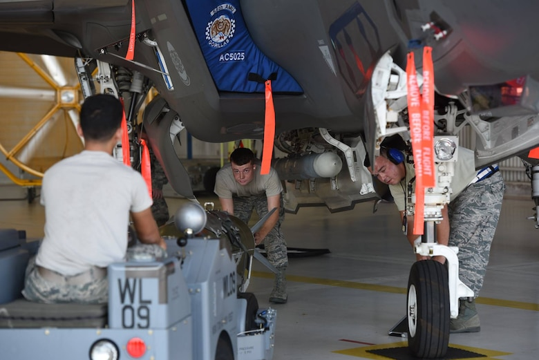 33rd FW weapons load competition