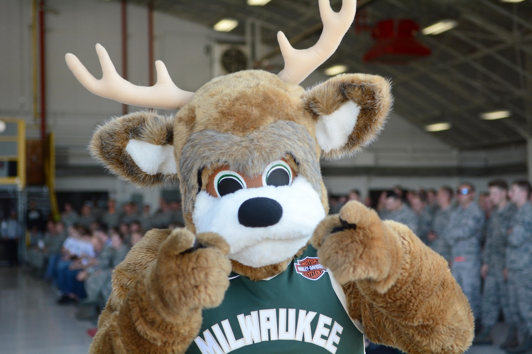 Airmen of the 115th Fighter Wing and their families were able to take a break together, at the end of the regularly scheduled drill day, Sept. 9 at Truax Field, Madison, Wisconsin to enjoy a visit from Milwaukee Bucks' Rashad Vaughn and the Rim Rockers and Hoop Troop, along with the Milwaukee Bucks Dancers and Bango, the Bucks mascot. (U.S. Air National Guard photo by Staff Sgt. Kyle Russell, 115th Fighter Wing Public Affairs)
