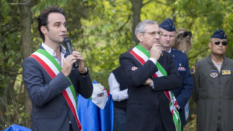 WWII fallen pilot honored in Bologna, Italy