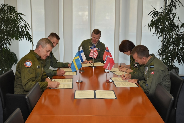 Nordic Air Chiefs sign letter, develop Arctic Challenge