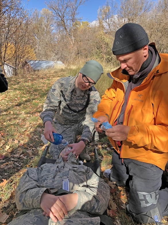 "Utah CERFP Airmen compete in ""Tough Blooder"" race"