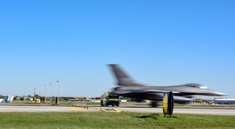 175th Fighter Squadron F-16s grabs the BAK-14M hook cable support system with its arresting hook during the system certification Oct. 17, 2017, Joe Foss Field, S.D.