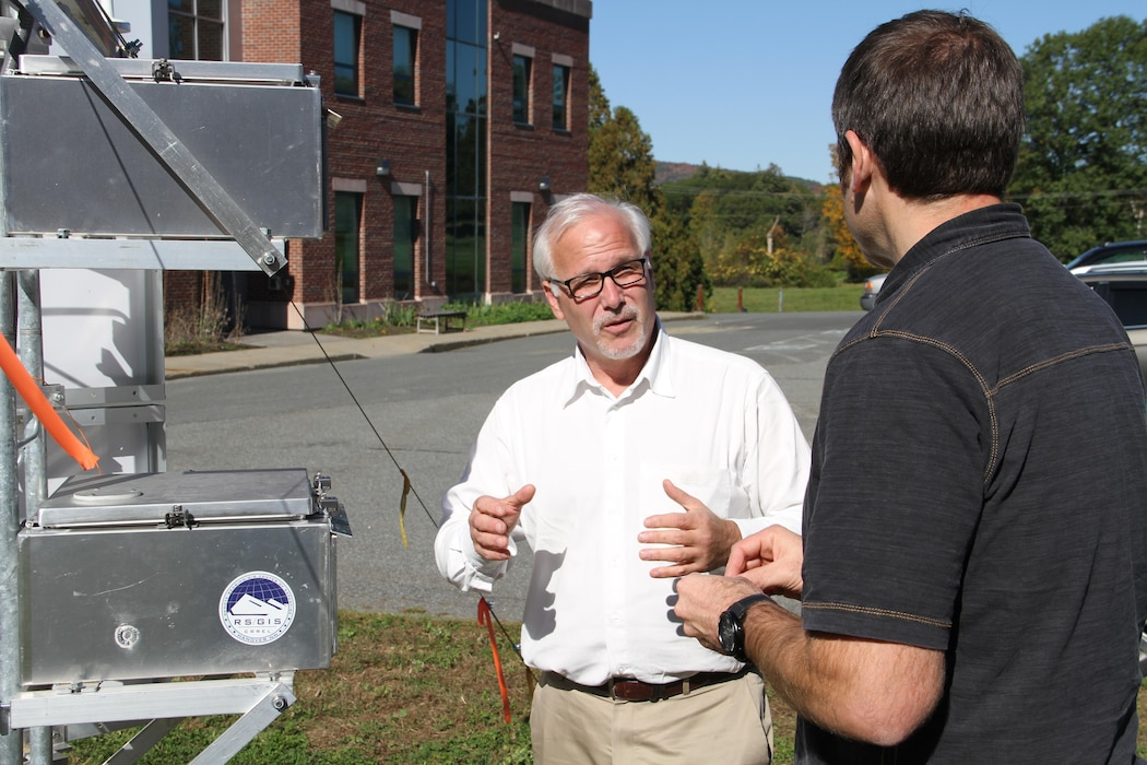Leaders discuss glacier monitoring at Corps of Engineers Cold Regions Lab