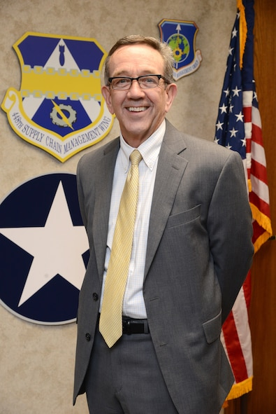 After four and a half years at Tinker, former director Frank Washburn leaves the 448th Supply Chain Management Wing and is heading to the east coast.