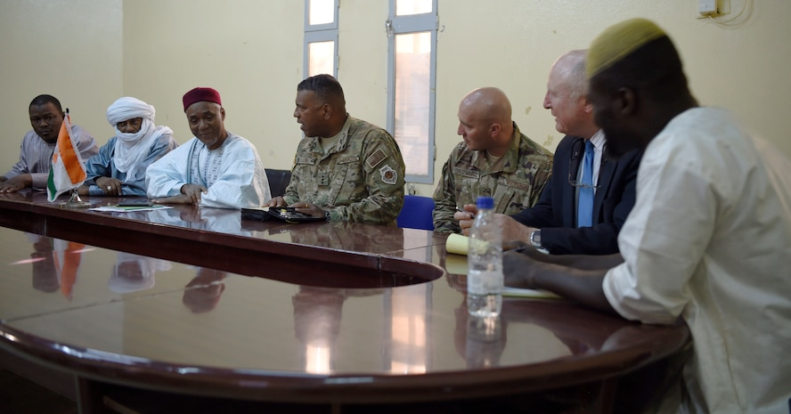 3 AF commander and command chief meet with Agadez leadership