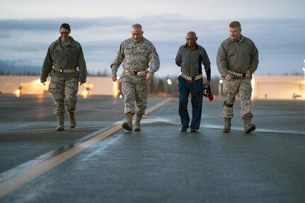 Tuskegee Airman visits JBER