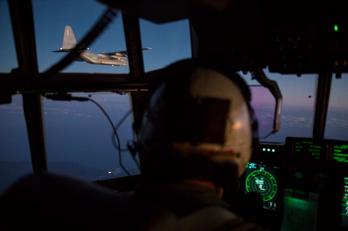 Sumos conduct aerial refueling training with Thunderbolts, Green Knights