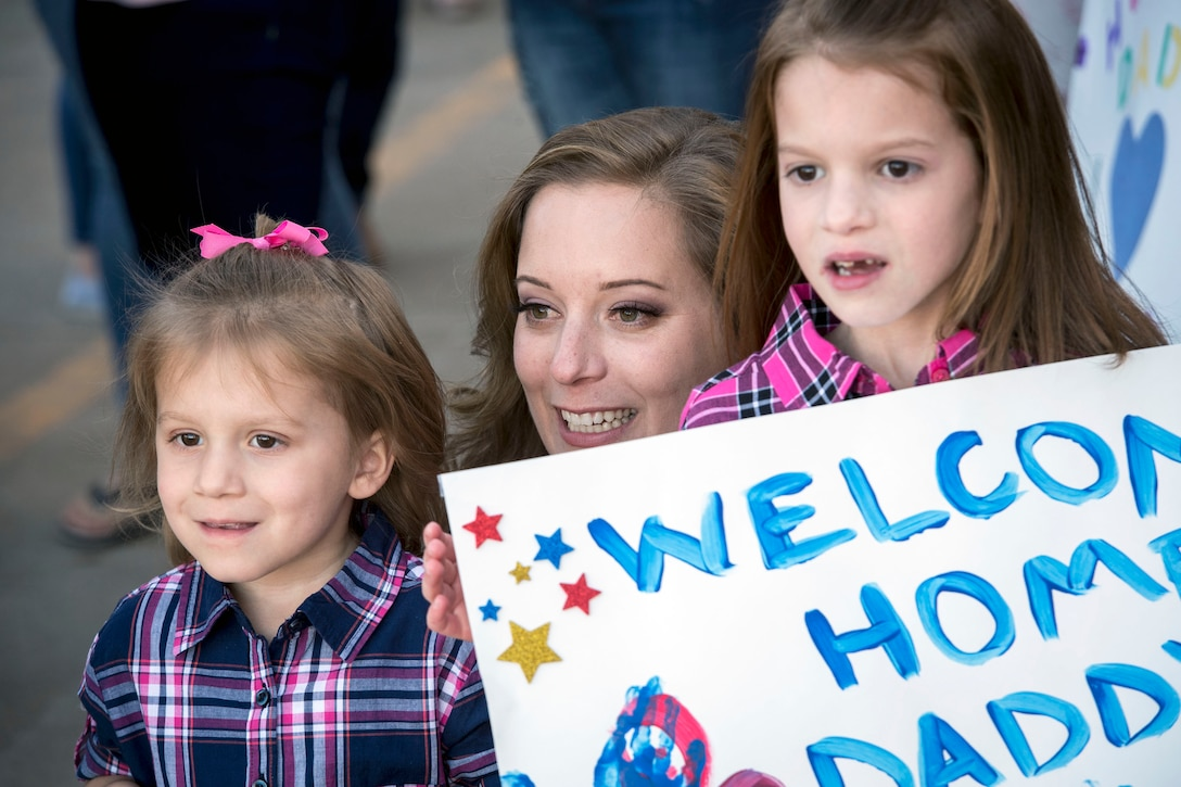 729th ACS Airmen return home