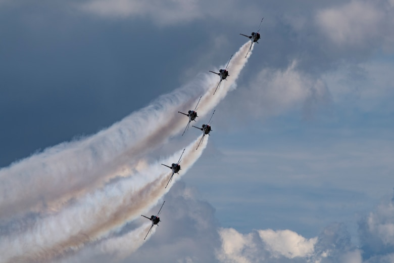 The U.S. Air Force Thunderbirds Flight Demonstration Team soars above Moody Air Force Base during the Thunder Over South Georgia Air Show, Oct. 28, 2017. The Thunderbirds performed twists, turns and rolls at high speeds demonstrating the prowess and capabilities of the F-16D Fighting Falcon. (U.S. Air Force photo by Senior Airman Daniel Snider)