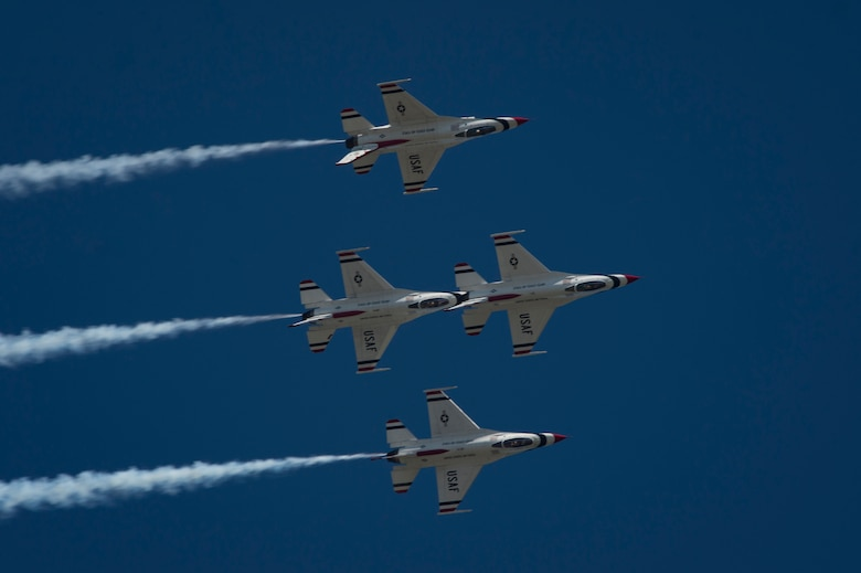 The U.S. Air Force Thunderbirds Flight Demonstration Team performs during the Thunder Over South Georgia Air Show, Oct. 29, 2017, at Moody Air Force Base, Ga. The air show attracted approximately 20,000 people from across the globe to the base over the weekend during the free, two day event. (U.S. Air Force photo by Senior Airman Greg Nash)