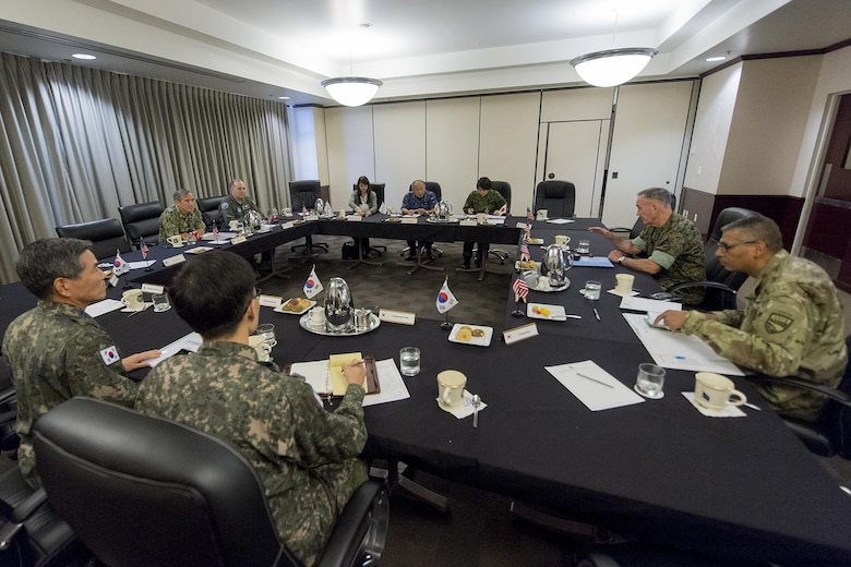 Dunford Hosts Trilateral Meeting With South Korean, Japanese Military Leaders