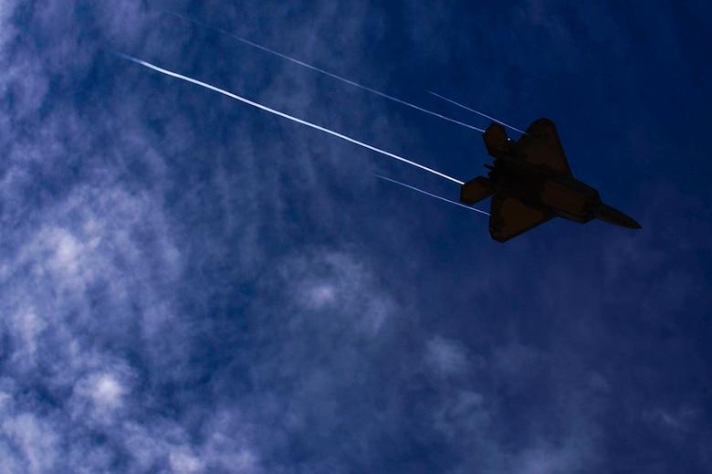 F-22 Raptor airborne.