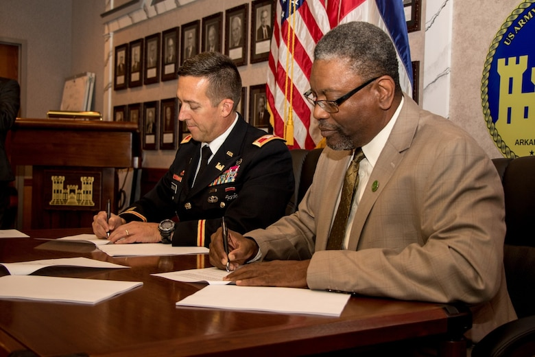 VICKSBURG, MISS… The U.S. Army Corps of Engineers' Vicksburg District entered into a Partnership Project Agreement with Mississippi Valley State University, in Leflore County.  The signing for the Water and Sewer Compliance Project (Section 592 Program) was held at the District Headquarters Building, on August 30, 2017.
