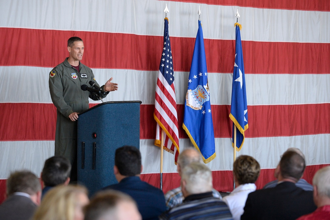Col. Lee E. Kloos, 388th Fighter Wing commander, addresses guests at the Viper Out ceremony, a farewell to the F-16, Sept. 8, 2017, at Hill Air Force Base, Utah.