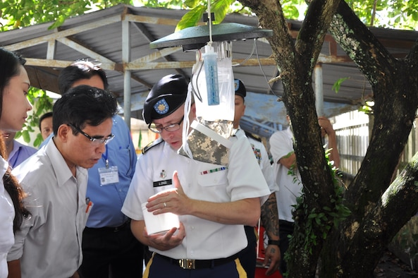 U.S., Vietnam share medical expertise during PAC Angel 17-2