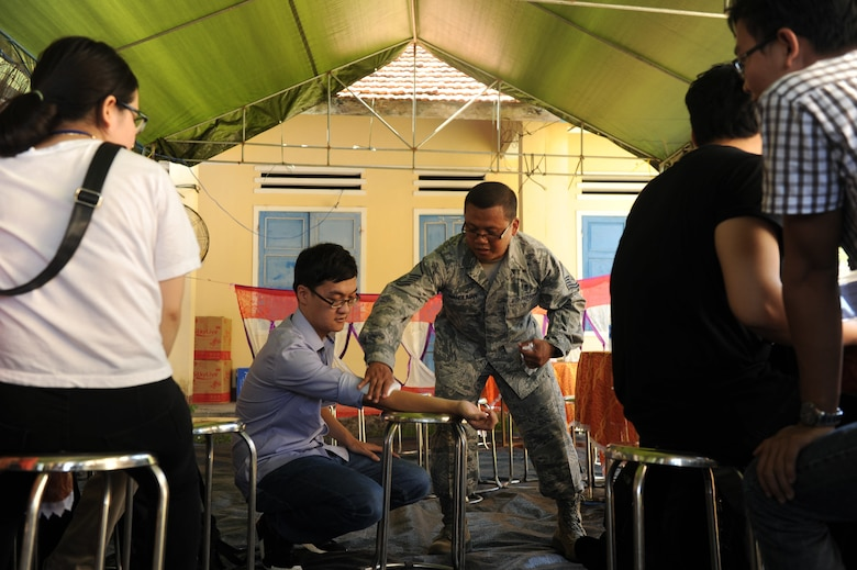 Pacific Angel: U.S., Vietnam continue to build partnership