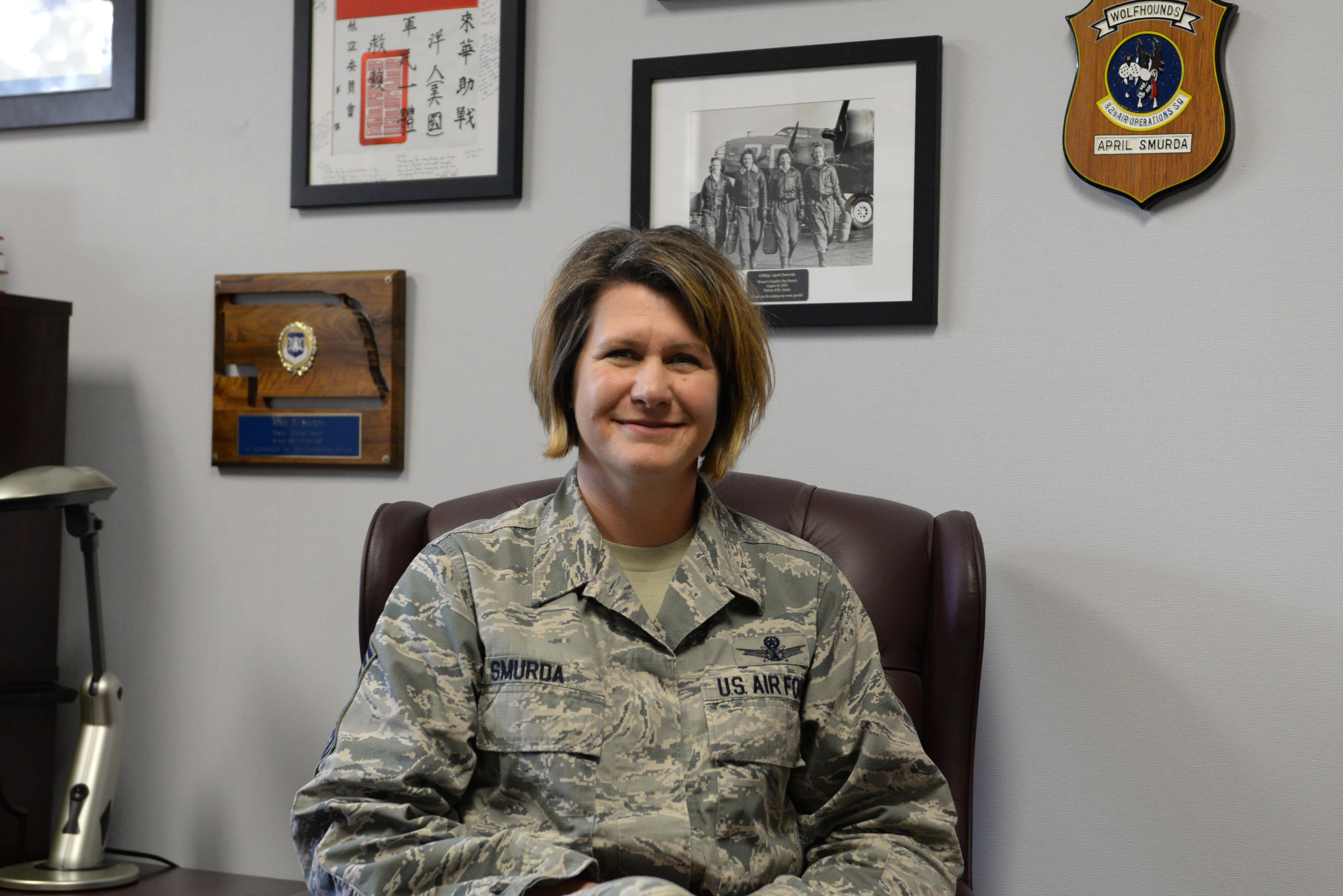 Mentoring Moments: Chief Master Sgt. April Smurda > Eielson