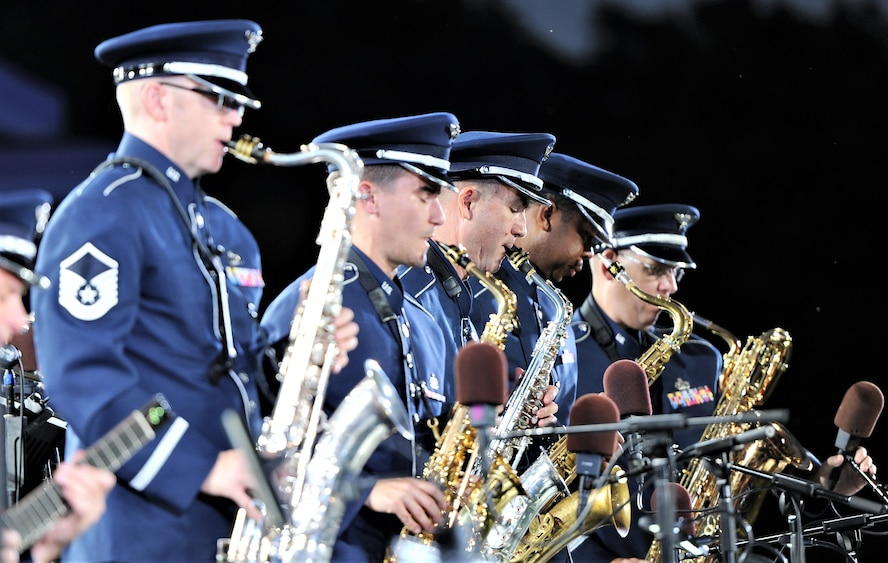 USAF celebrates 70th birthday with military tattoo