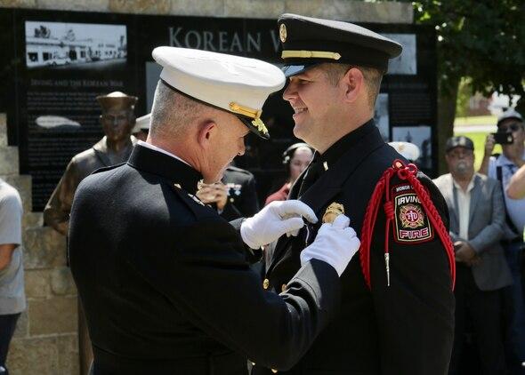 Texas Native Receives Upgraded Combat Valor Award > Marine