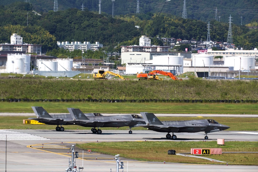 170918-M-KE800-0103 MARINE CORPS AIR STATION IWAKUNI, Japan
