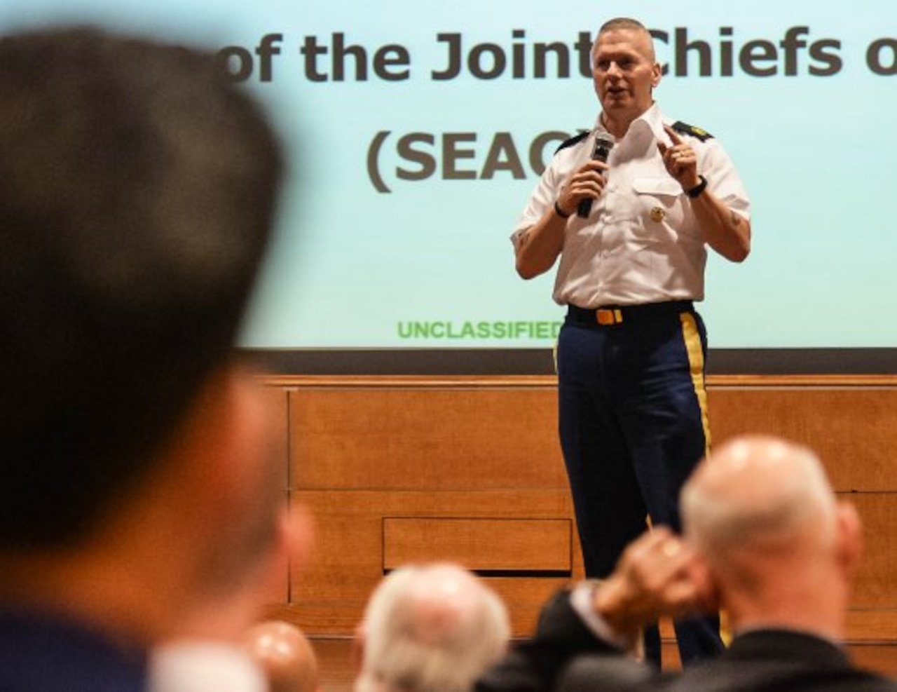 Army Command Sgt. Maj. John Wayne Troxell, senior enlisted advisor to the chairman of the Joint Chiefs of Staff, speaks at the Army Public Affairs Leadership Forum