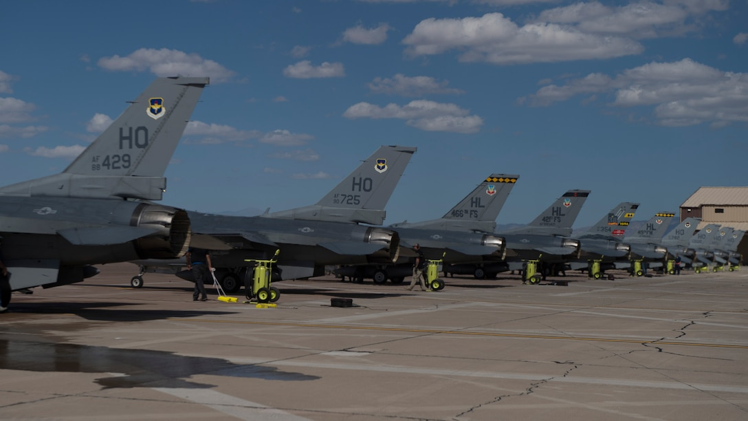 8th Fighter Squadron receives final 6-ship