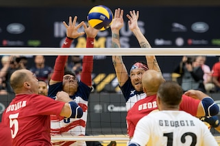 The U.S. defeats Denmark in sitting volleyball during the Invictus Games in Toronto, Sept. 27, 2017. DoD photos by Roger L. Wollenberg