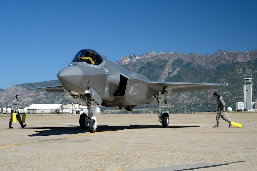 First F-35A arrives for the 4th FS/AMU