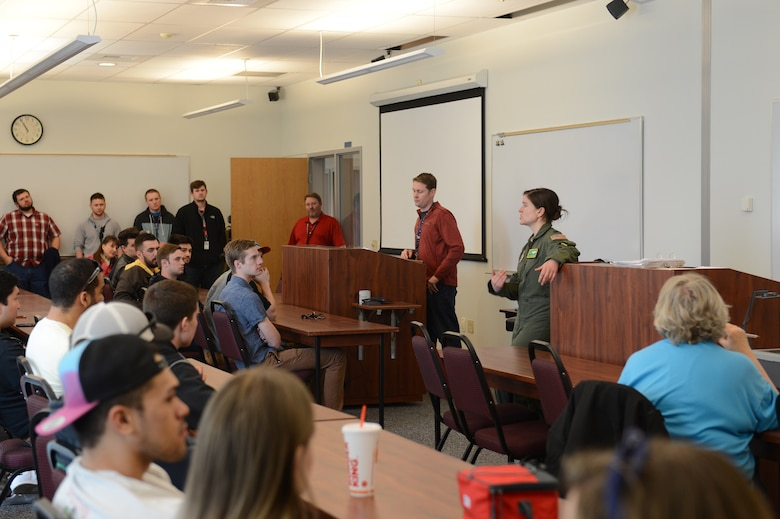 Capt. Catherine Tetrick, 7th Airlift Squadron pilot teaches Big Bend Community College pilot students about safe flying practices around military aircraft, March 16, 2018, at Moses Lake, Wash. The pilot students often fly in the same airspace as C-17s and other military aircraft.