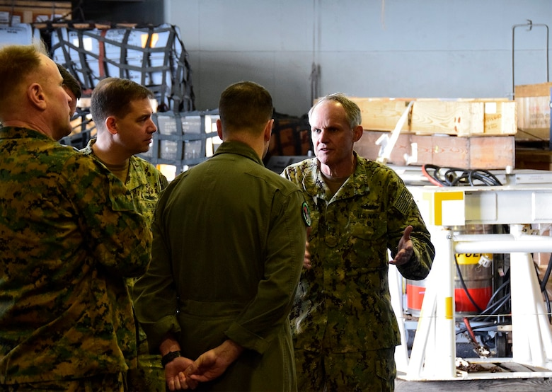 7th Fleet Commander Visits Wasp