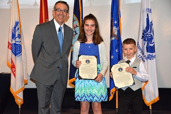 Retiring DLA Aviation officer honored for service