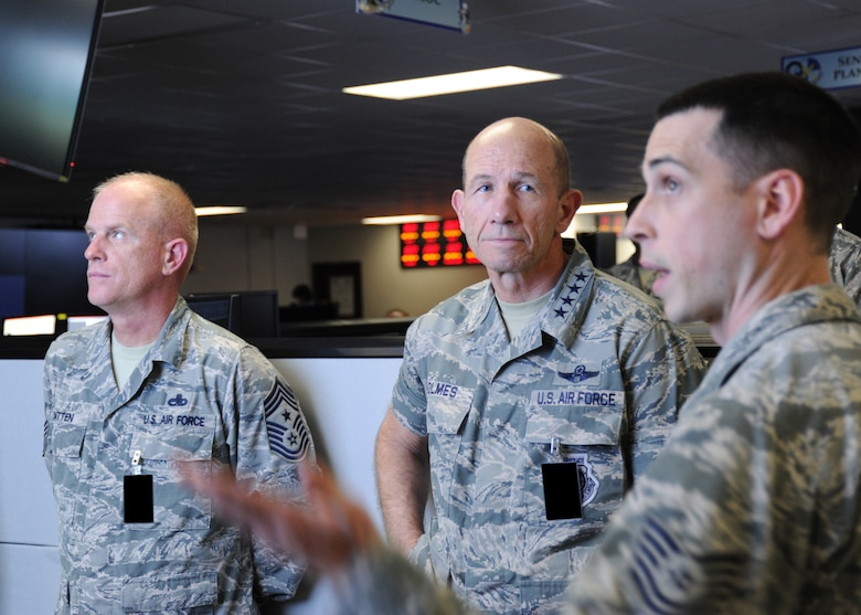 ACC commander visits 692nd ISRG