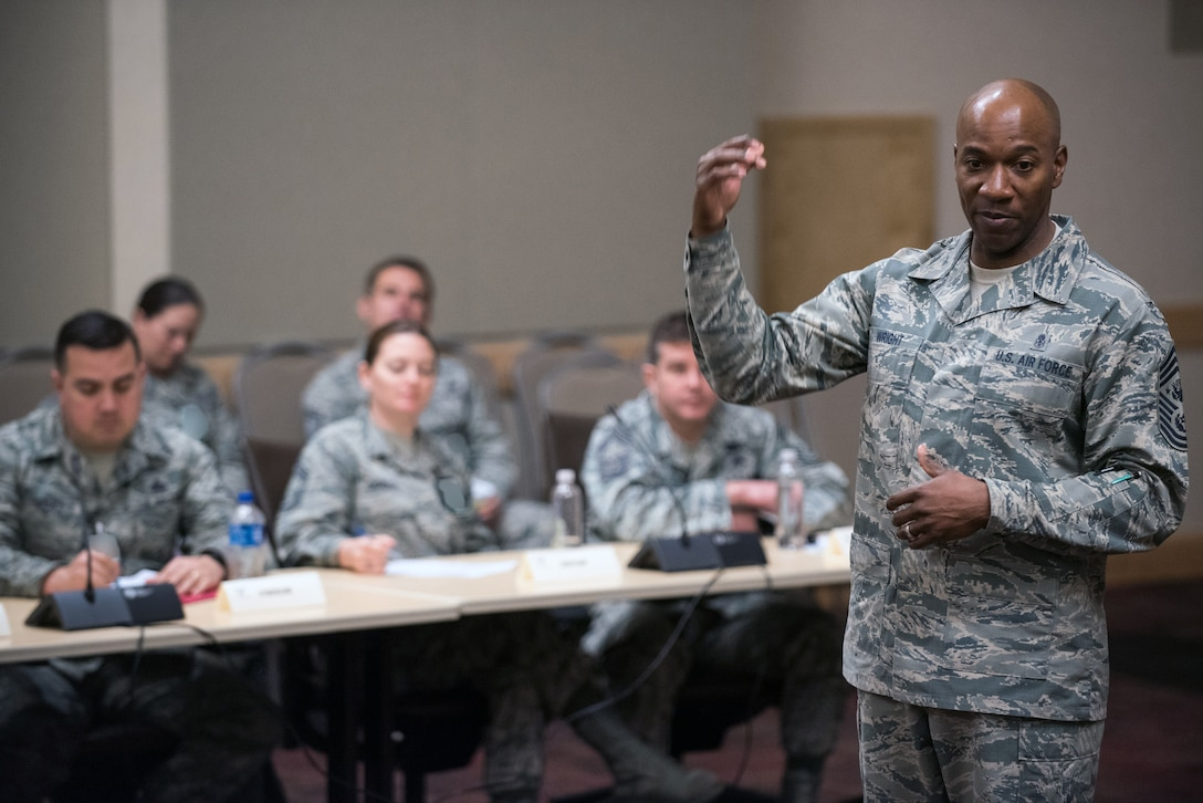 Chief Master Sgt. of the Air Force Kaleth O. Wright speaks to personnel attending an Air Force Element Senior Enlisted Leader Conference at the Pentagon, April 4, 2018. (DoD Photo by U.S. Army Sgt. James K. McCann)