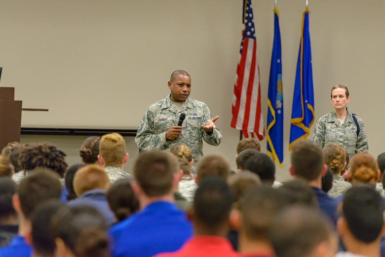 U.S. Air Force Chief Master Sgt. Farrell Thomas, 2nd Air Force command chief master sergeant, mentors Air Force ROTC cadets as part of the senior enlisted panel held during Pathways to Blue April 7, 2018, on Keesler Air Force Base, Mississippi. Keesler was home to 280 cadets from 15 universities April 6-7 as part of Pathways to Blue, a diversity outreach event hosted by the 2nd Air Force.  (U.S. Air Force photo by Andre' Askew)