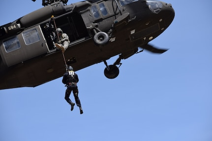 Idaho Army National Guard trains with Boise firefighters