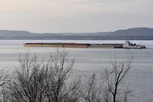 First tow of 2018 pushes through Lake Pepin