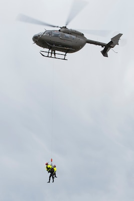 Okla. Guard trains with special-rescue team
